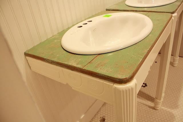 Bathroom Sink Table : Old table to bathroom sink stands Vintage Bathrooms Pinterest