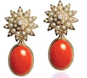 If I were a rich manPearl Flower Cabochon Earrings | Like