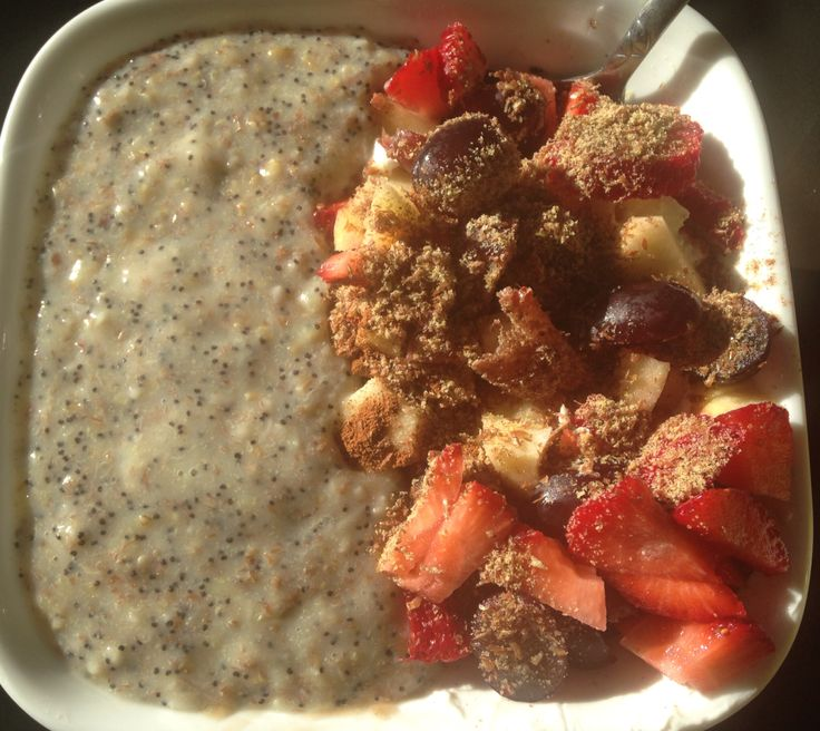 steel cut oats cooked in water, chia seeds (in the oats to help it ...