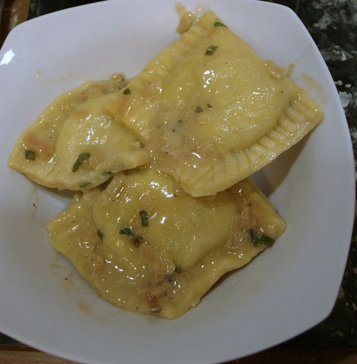 Spinach ravioli with sage butter sauce | Reţete pizza si paste | Pint ...