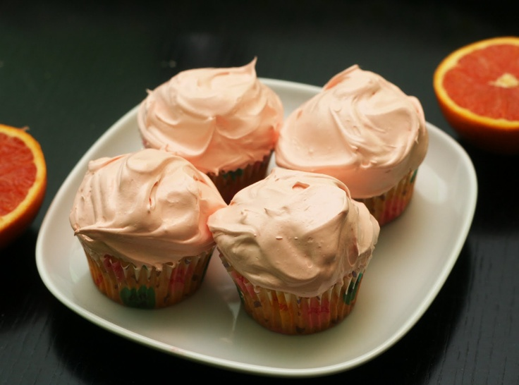 Cara Cara Orange Cupcakes - I'm finding these yummy oranges at the Superstore nearby right now. Awesome taste. These must be awesome, too!