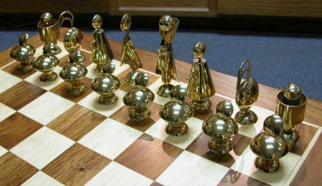 Cool Figural Futuristic Chess Set L O V E Pinterest