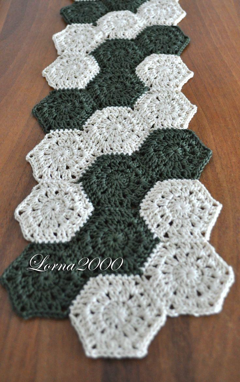 RetroChic Crochet Table Runner Pattern Petals to Picots - oukas.info