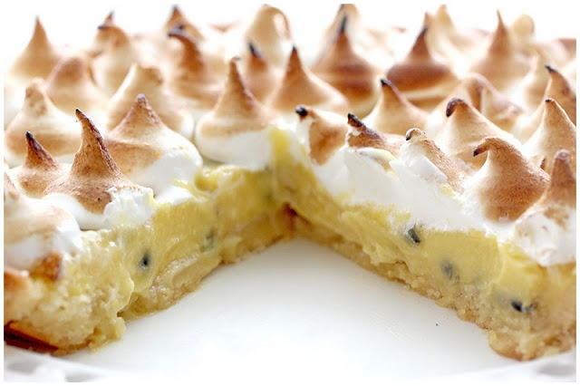 Foodagraphy. By Chelle.: Passion Fruit Meringue Tart