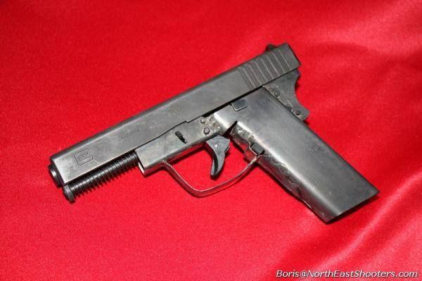 Someone Made Their Glock A Metal Frame Handguns Pinterest