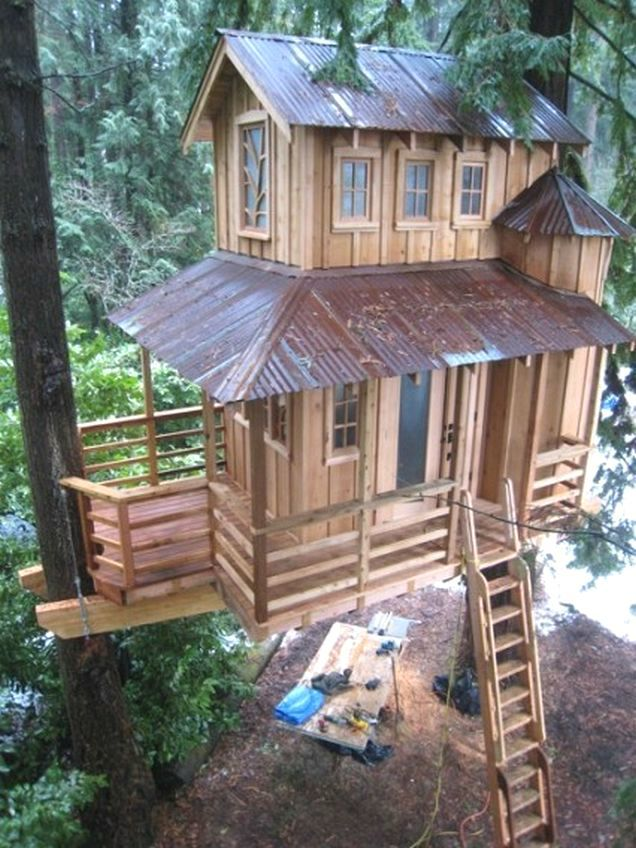 Awesome tree houses justin 39 s favorites pinterest for Awesome tree house plans
