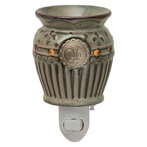 www.scentsy.com/lindaspage - charlemagne small