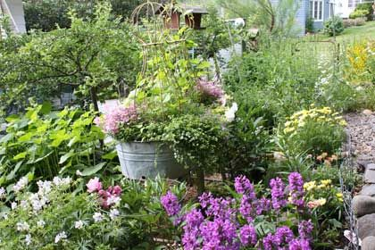 Casual rustic flower garden gardening outdoor decor pinterest - Rustic flower gardens ...