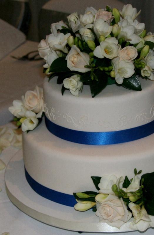 Simple Cake Design Pinterest : Lovely simple cake Wedding ideas Pinterest