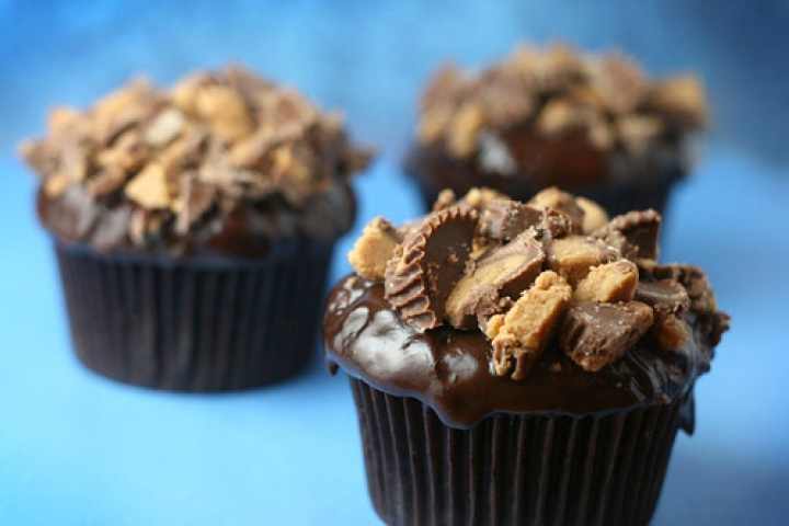 Reese's peanut butter cup cupcakes filled with peanut butter mousse