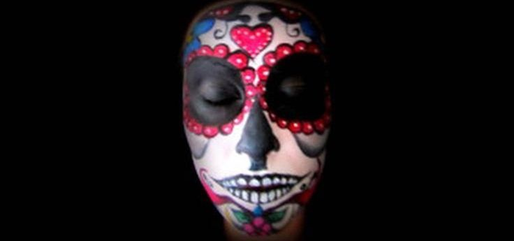How to Do Day of the Dead sugar skull makeup