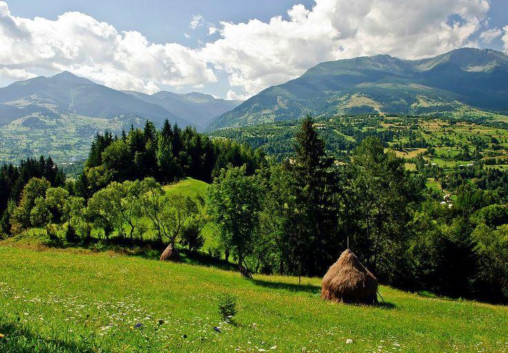 Maramures landscape romania unesco wooden churches for Romania landscape