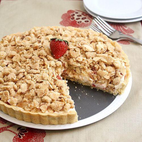 Strawberry Cream Cheese Crumble Tart   Munchies   Pinterest