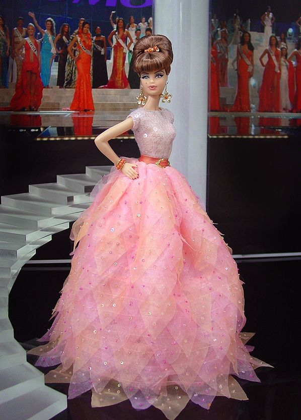 Senhorita Boston Barbie 2011 '.  :)