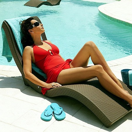 Sun Chaise & Pool Floater in Chocolate