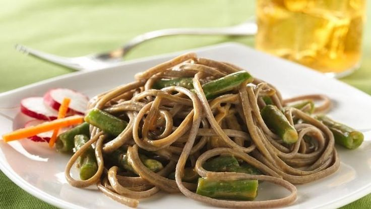 Spicy peanut sauce dresses up soba noodles and green beans in this ...