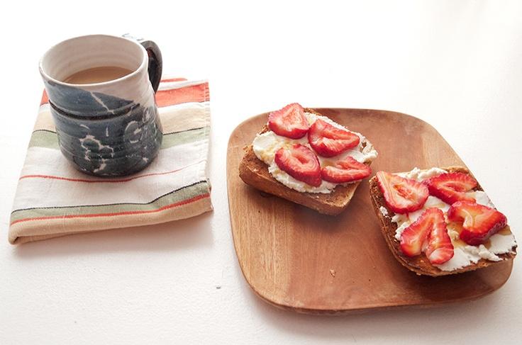 strawberry ricotta toast | Good Morning | Pinterest