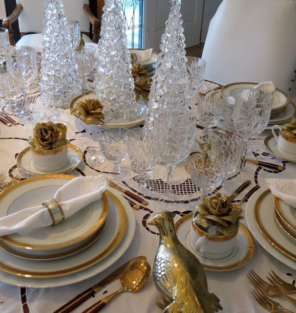 Pin by susan keener on tablescapes pinterest for Silver centerpieces for dining table