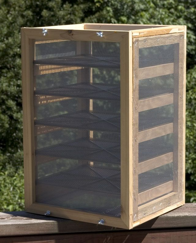 How to Dehydrate Food using outdoor drying racks ~ Mom with a Prep