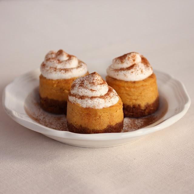 Mini Pumpkin Cheesecakes | Yum | Pinterest