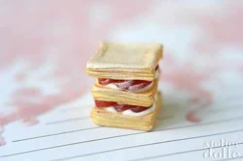 Strawberry millefeuille | Miniature foods | Pinterest