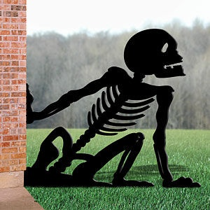Scary yard silhouette halloween pinterest for Yard shadow patterns