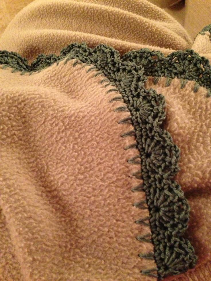 Crocheting Edging On Fleece : Crochet edge onto fleece blanket. Crochet Pinterest