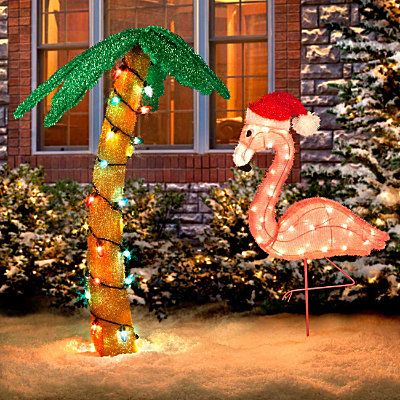 Christmas palm tree with flamingo flamingos love them for Christmas tree lawn decoration