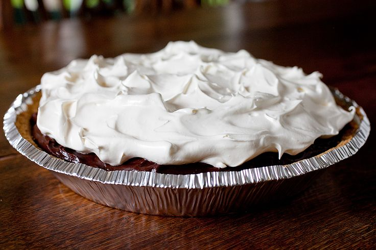 Chocolate Pudding Pie - Add chocolate sprinkles or shaved chocolate to ...