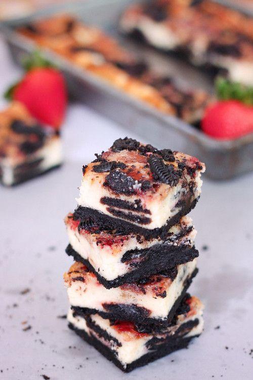 Very Berry Cheesecake Bars: Oreo Heaven | desserts | Pinterest