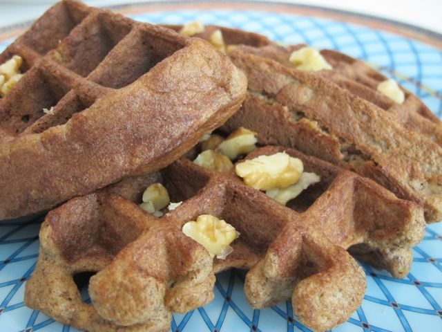 Banana Nut Waffles | Now That's Healthy! | Pinterest
