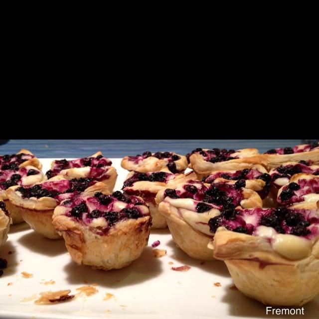 Blueberry Cheesecake Bites ala @HotMamasKitchen