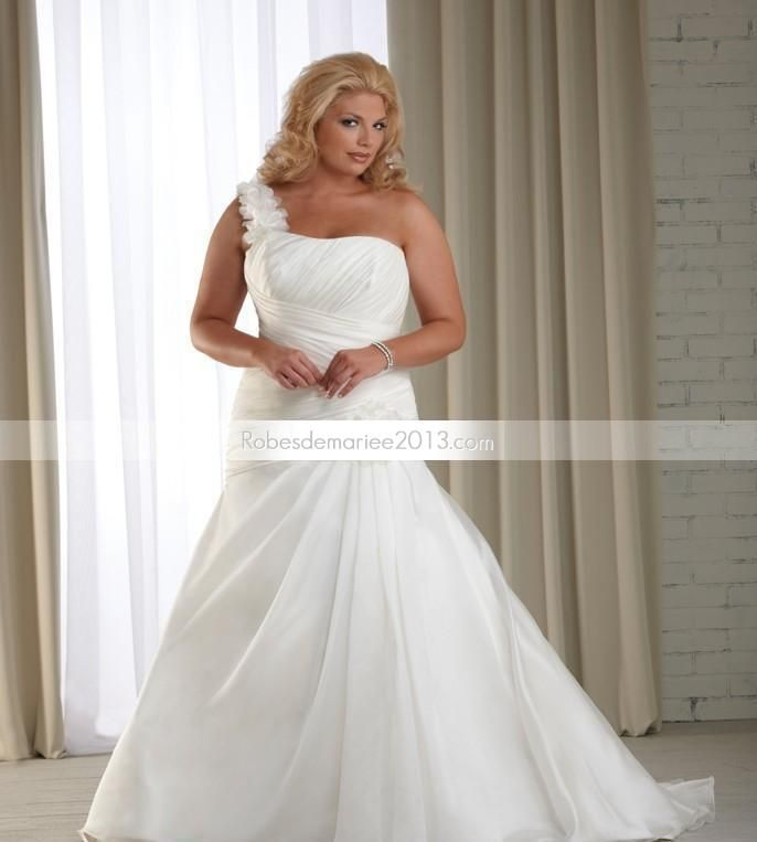 ... manches Appliques Chapelle Floor-length Taille Plus robe de mariée