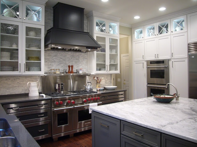 Love this kitchen! Island in Benjamin Moore's Kendall Charcoal Hood