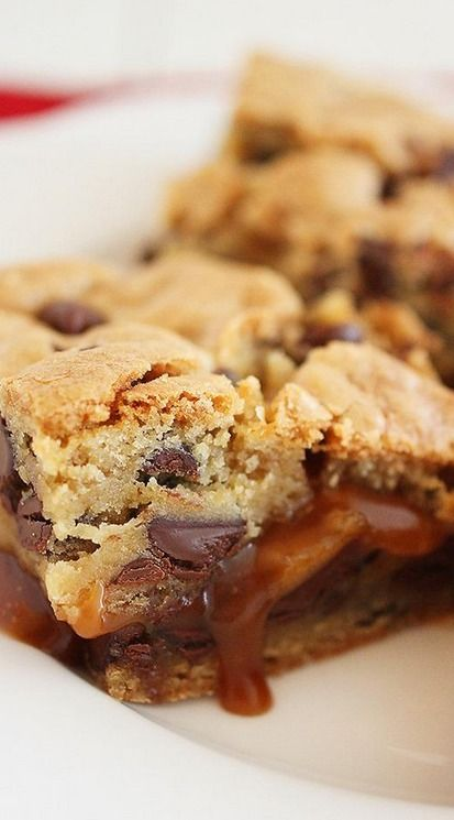 Salted Caramel Chocolate Chunk Cookie Bars | Recipe