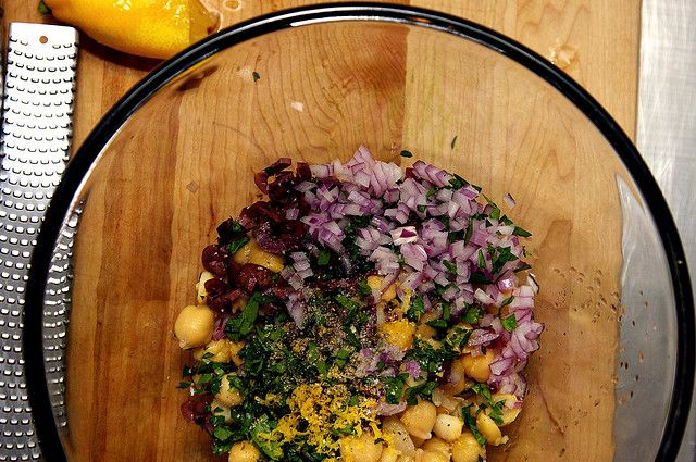 Smitten Kitchen's smashed chickpea salad. Per Diana: double recipe ...