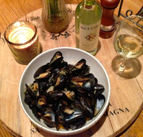 mussels in white wine sauce | Cooking from the Heart | Pinterest