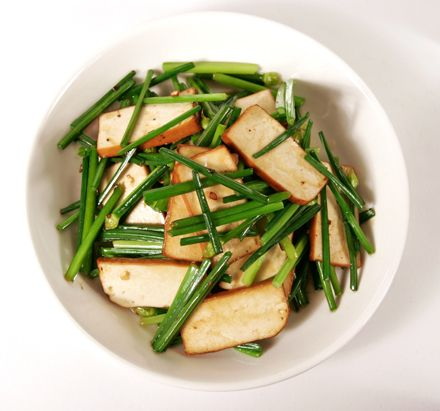 Bloomin' Chinese Chives and Pressed Tofu || Red Cook ...