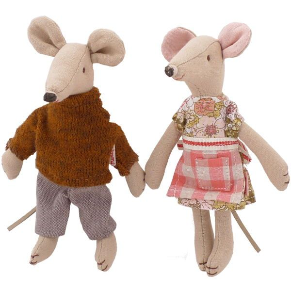 My sweet muffin maileg mom and dad mice in a house