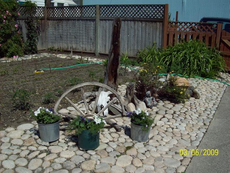 broken spokes vintage garden ideas pinterest