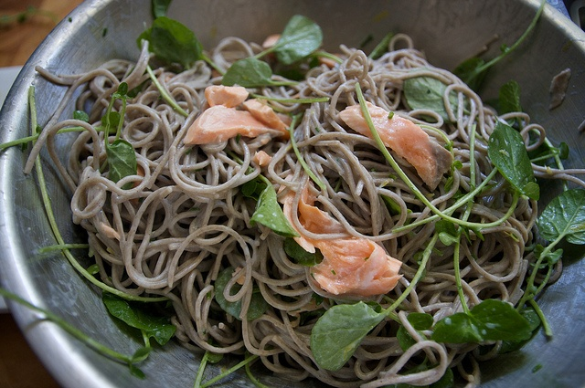 salmon with soba and watercress shutterbean, via Flickr