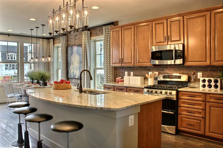 Picasso model home kitchen ambientes pinterest for Model home kitchens