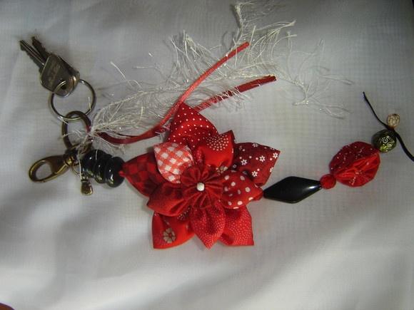 Chaveiro Flor de fuxicos  Fuxico flower keychain