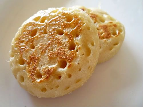 English crumpets and Scottish scones quickly became associated with ...