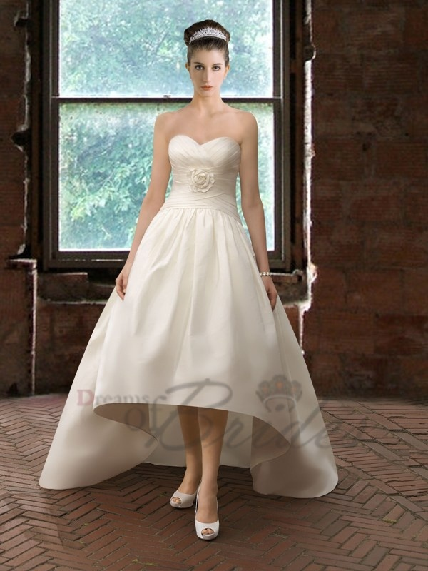 Unique beach wedding dress wedding dresses pinterest for Pinterest dresses for wedding