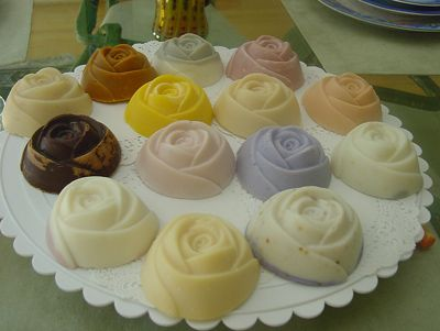 Traditional Wedding Favor    Wedding favors are traditionally a small token gift given to the guests attending a wedding