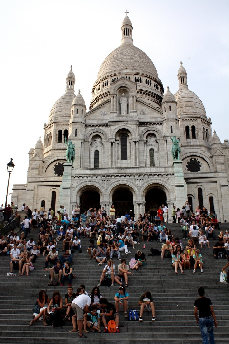 Montmartre paris france cool things from cool places for Cool stuff to do in nyc