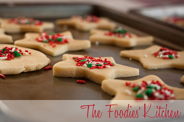 Classic Shortbread Cookies by The Foodies' Kitchen, via Flickr