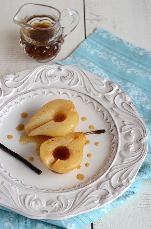 Vanilla Roasted Pears - looks super simple and elegant