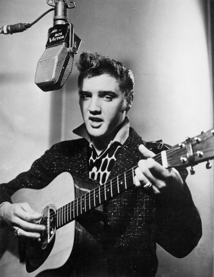 """Elvis Presley - Singles: 6 First induction: """"Hound Dog"""" (1988) Most recent: """"Are You Lonesome Tonight?"""" (2007)"""